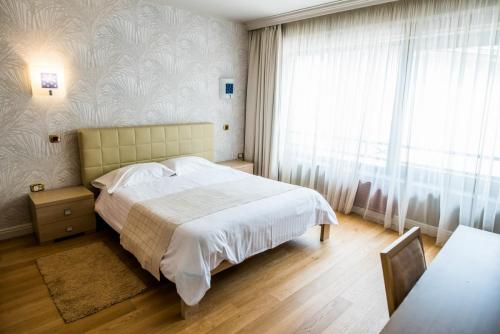 CAMERA JUNIOR - CAZARE CLUJ - HOTEL CLUJ